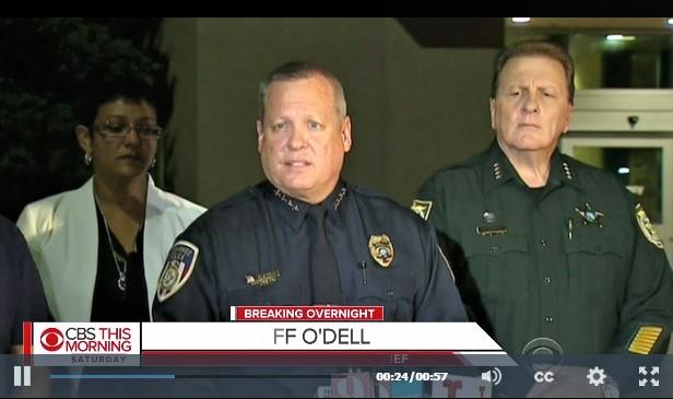 8月18日晚,佛州基西米警察局長奧戴爾(Jeff O'Dell)就發生在該市的槍擊案,舉行新聞發佈會。(CBS新聞擷圖)