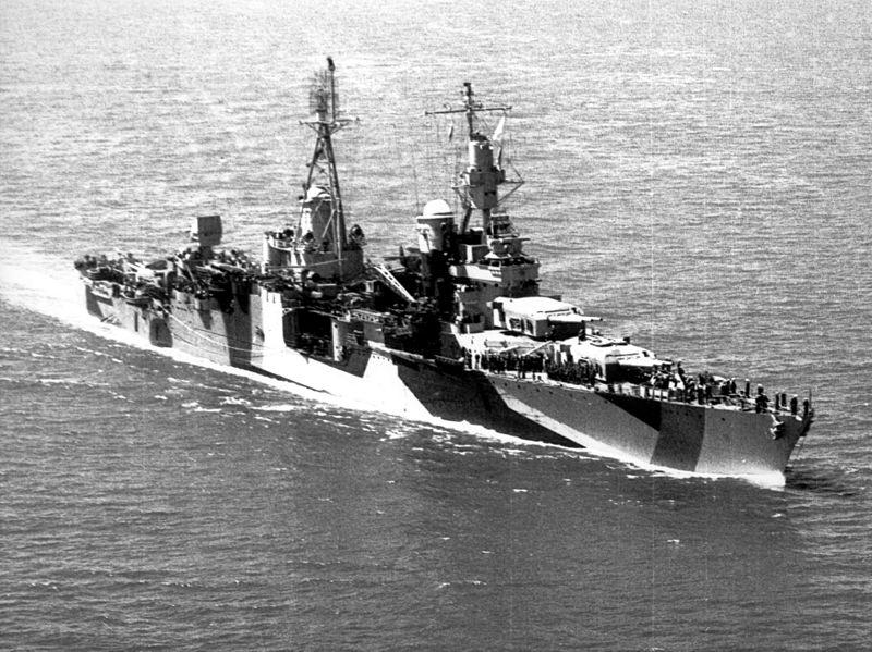 印第安納波利斯號重型巡洋艦在1944年。(維基百科)