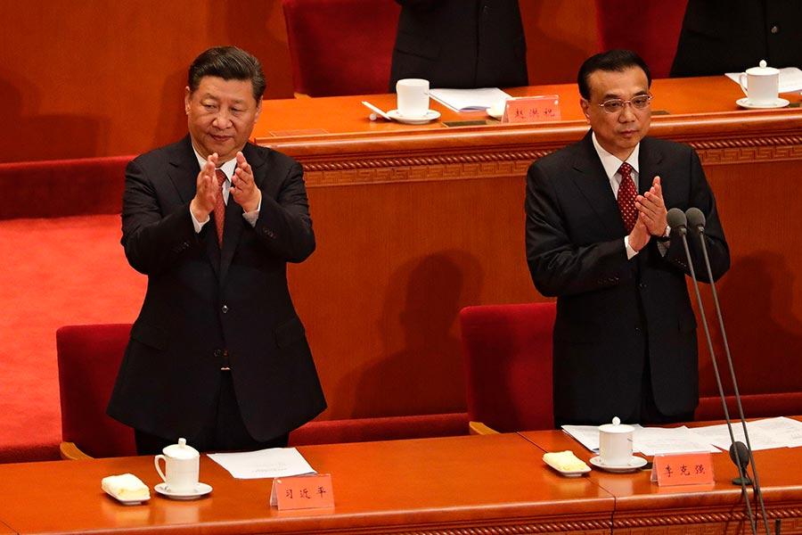 中共十九大上,習近平組建甚麼樣的政治局常委成員,將直接決定他今後5年能否順利執政問題。(ANDY WONG/AFP/Getty Images)