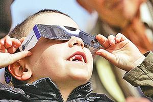 百年難遇大日食 你的觀測鏡是否安全