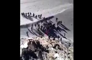 中印士兵班公湖大打出手片段曝光