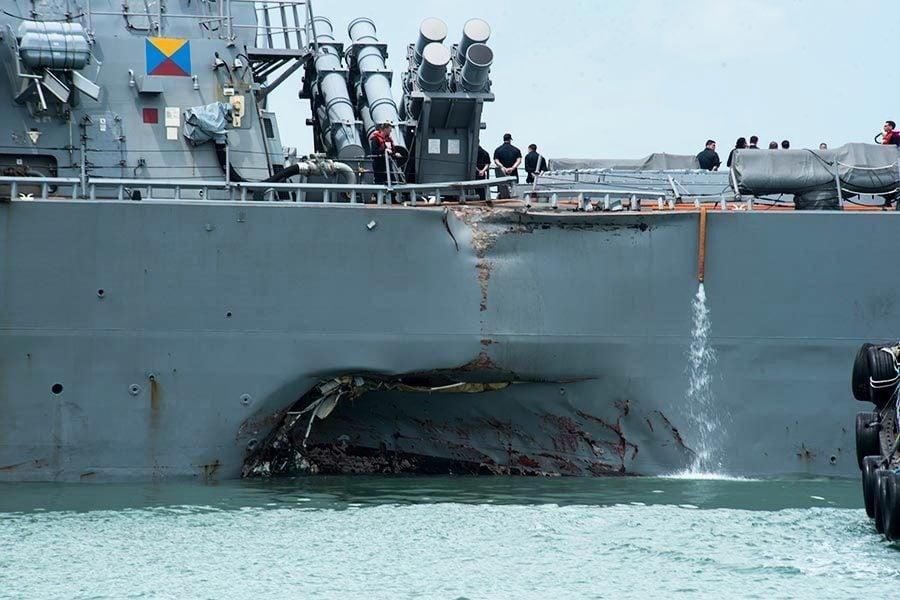 美艦連番撞船 麥凱恩籲停止官兵超時工作