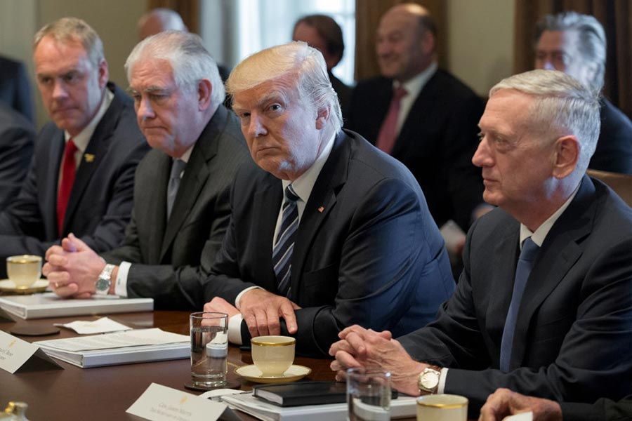 特朗普政府為對朝動武等各種選項進行了大量的討論。(Michael Reynolds-Pool/Getty Images)