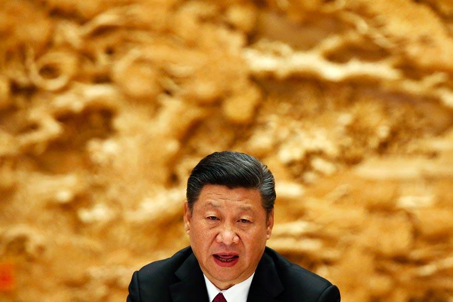 在十九大來臨之前,CNN對10名中國問題專家進行民調,選出了中國最有權力的五人,其中排名第一的當屬國家主席習近平。(Thomas Peter - Pool/Getty Images)