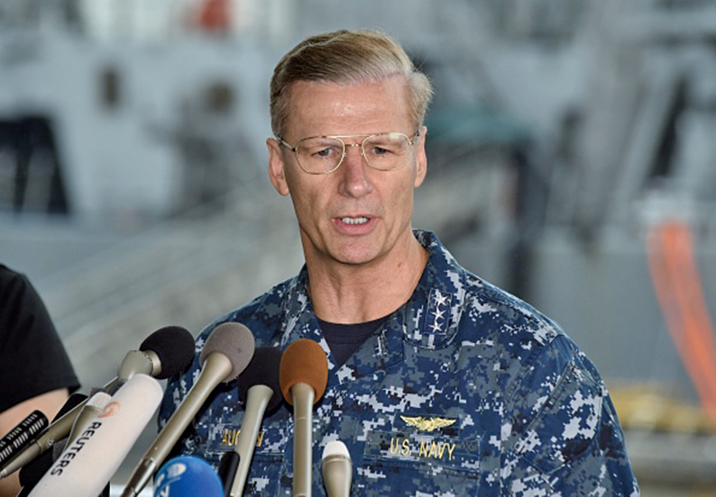 在接連發生多宗撞船事故後,美國海軍將解除第七艦隊司令、海軍中將Joseph Aucoin職務。(AFP)