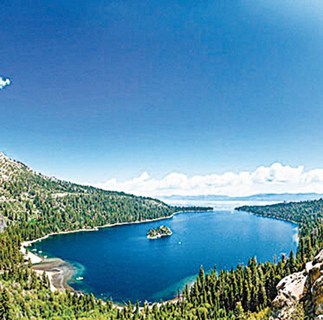 太浩湖位於美國加州和內華達州,是北美最大的高山湖泊。(Shutterstock)