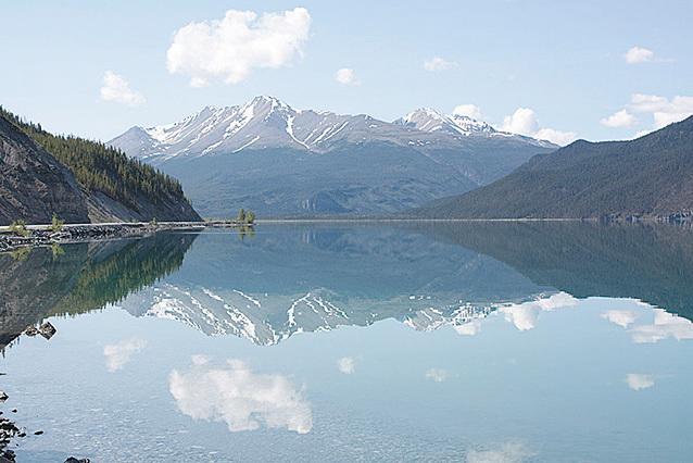換一個角度看莫愁湖。(維基百科)