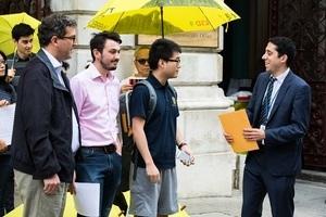 「雙學三子」被判刑 維權人士英國外交部請願