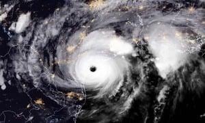 颶風哈維威脅未減 近25萬人停電