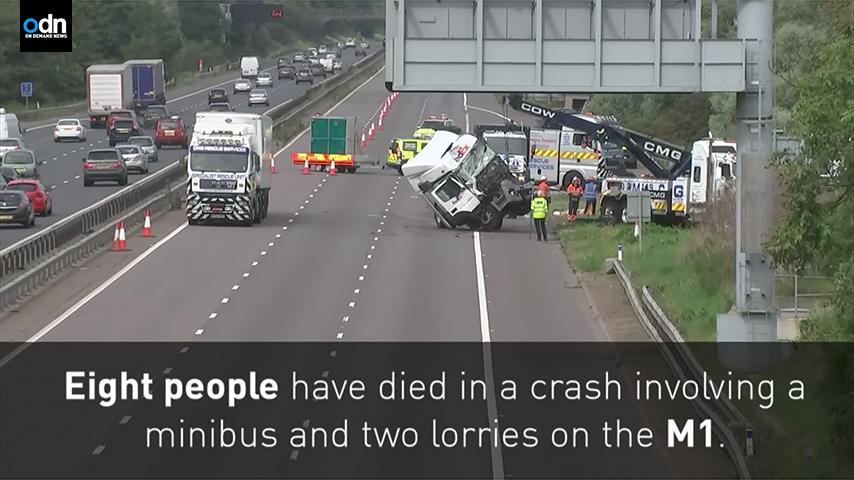 周六(8月26日),英國一條高速公路上發生一宗慘烈車禍,兩輛貨車和一輛小巴相撞,造成八人死亡、四人受傷。(ODN視像擷圖)