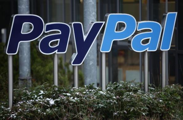 美國三家大銀行推出一套網絡付款服務,其競爭目標是目前流行的PayPal 付款方式。 (Photo by Sean Gallup/Getty Images)