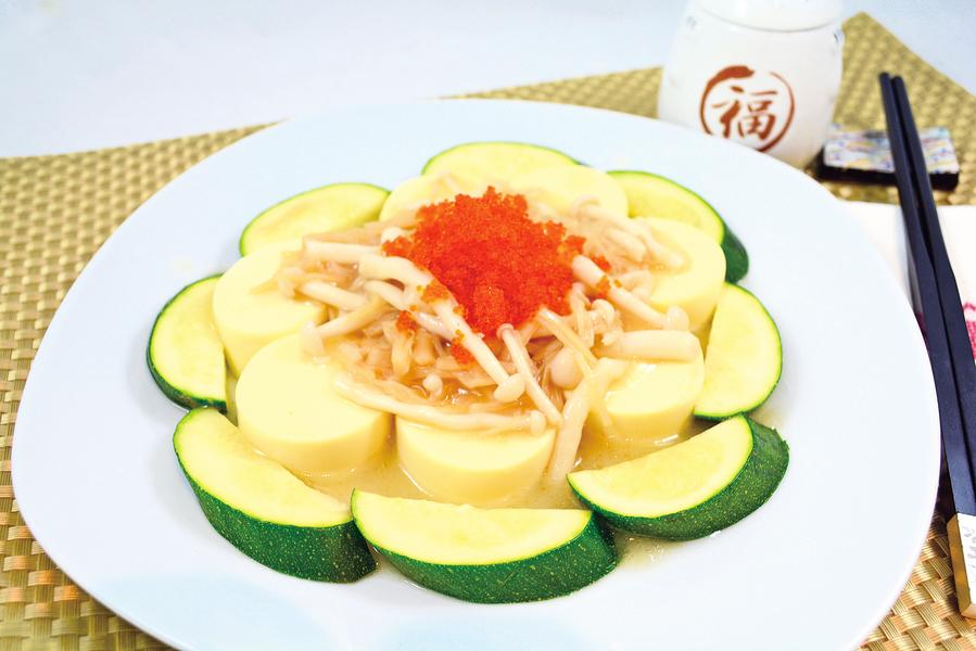 【梁廚美食】魚子瑤柱海鮮菇 扒玉子豆腐