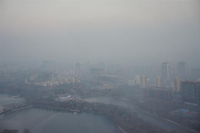 南韓首爾大學一項分析指導,南韓和中國空氣超細顆粒物(PM2.5)中的細菌有83%相似度。(網絡圖片)