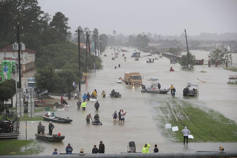 哈維颶風侵襲德州,由於持續降雨,侯斯頓地區遭遇嚴重洪災。(Joe Raedle/Getty Images)