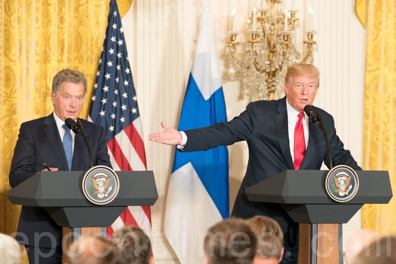 8月28日,美國總統特朗普與芬蘭總統紹利・尼尼斯托(Sauli Niinistö)在白宮舉辦聯合新聞發佈會。(石青雲/大紀元)