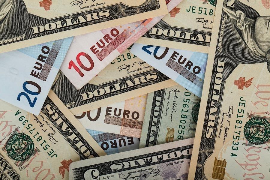 【財經話題】歐元和美元匯率強弱兩極化