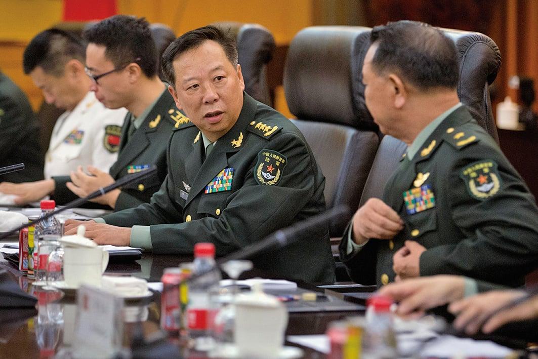 中共陸軍司令員李作成(中,上將)改任聯合參謀部參謀長。(Getty Images)