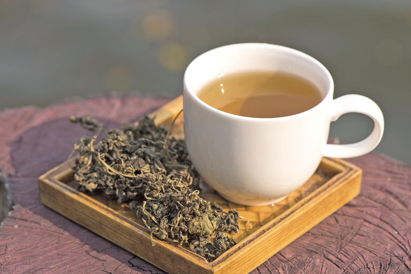 喝綠茶是獲得兒茶素的好方法。