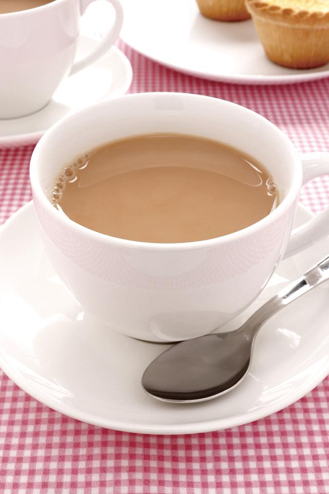 牛奶中的酪蛋白(casein)其實會中和茶葉中兒茶素的有效成份。