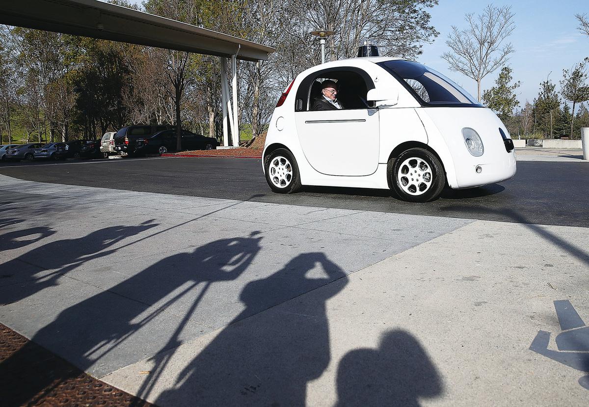 圖為谷歌的無人駕駛汽車。(Getty Images)