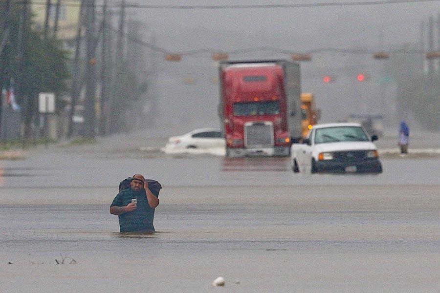 熱帶風暴哈維給美國第四大城市侯斯頓帶來歷史性洪水。(THOMAS B. SHEA/AFP/Getty Images)