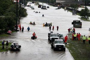 為救幼女 侯斯頓媽媽洪水中當「浮木」溺亡