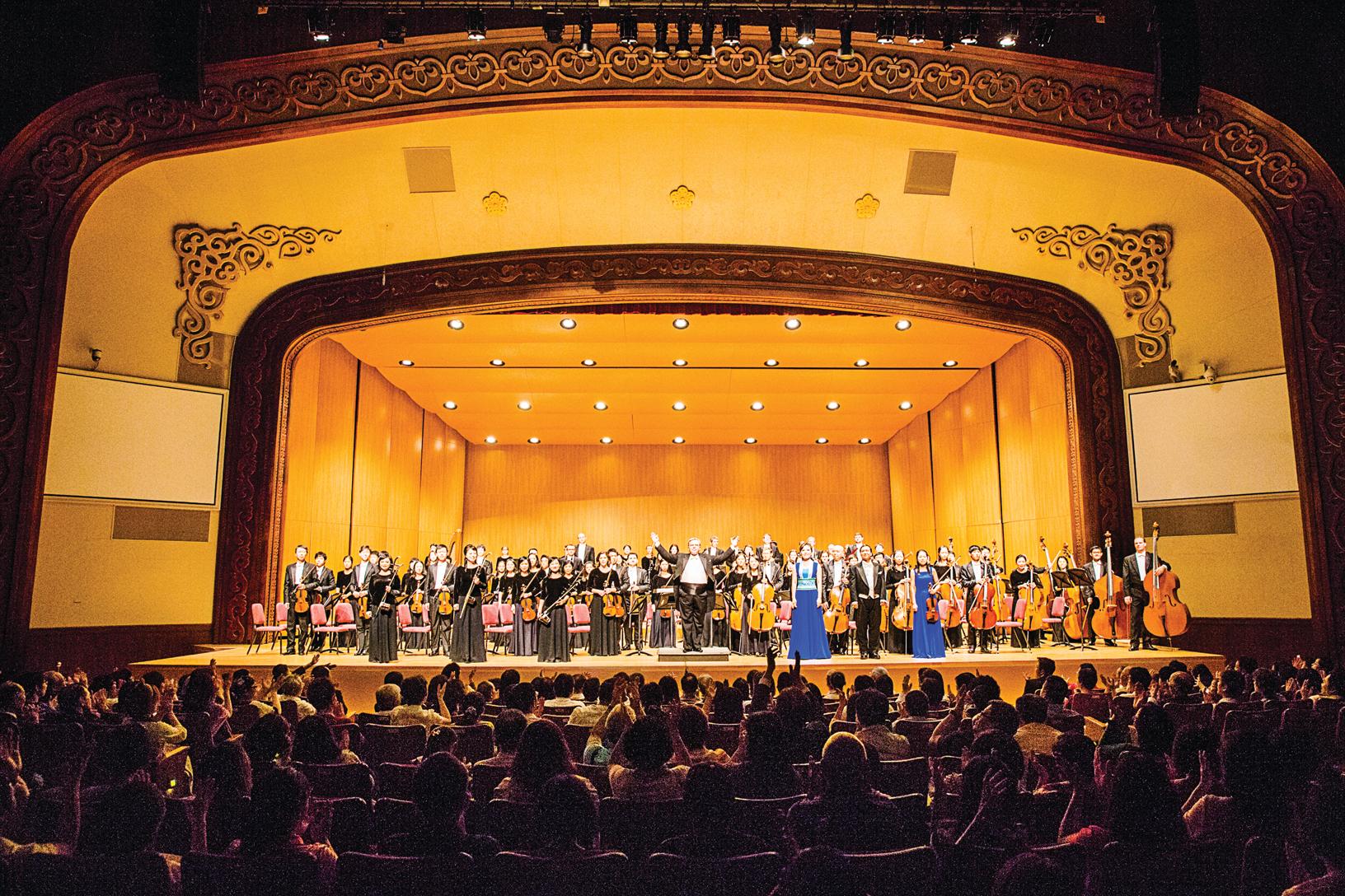 2016年10月3日晚間,神韻交響樂團在臺北中山堂最後一場的演出。(陳柏州/大紀元)