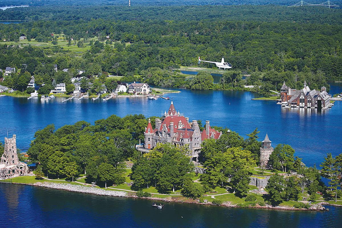 千島湖有1,864個大小島嶼,但其中不可不去的是位於心型島(Heart Island)上一座恢宏富麗的城堡。(大紀元)