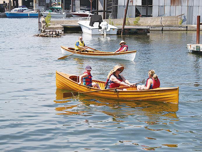 在奧斯威戈還有划獨木舟等水上娛樂活動。(大紀元)