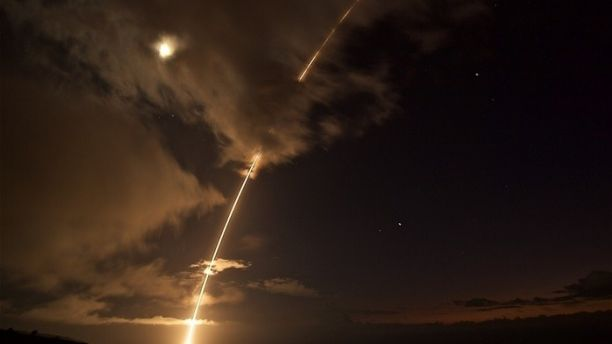美國導彈防禦局周三(8月30日)宣佈,它在夏威夷岸邊成功的擊落一枚中程彈道導彈,這是海上導彈防禦系統的最新一輪測試。(美國國防部)