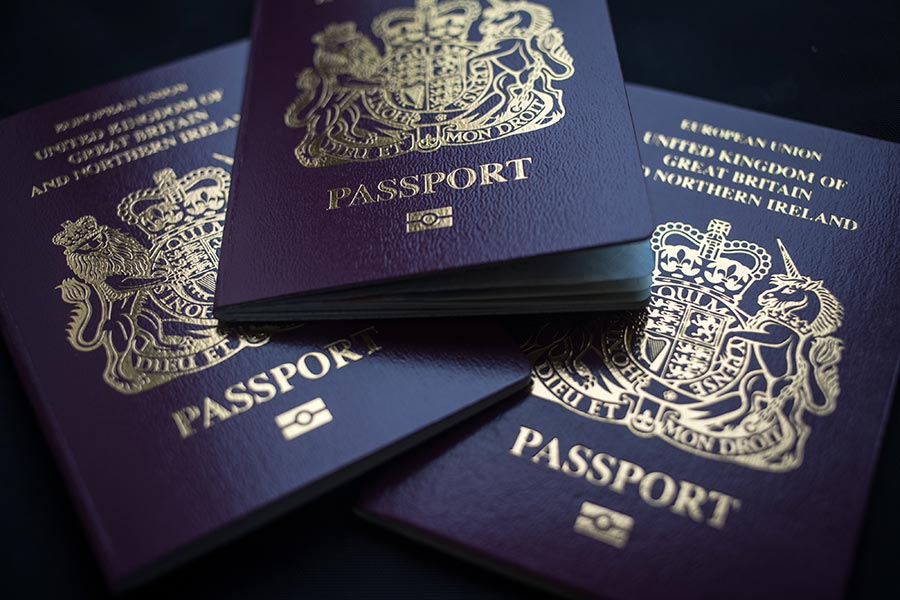 英國官方估計,2016年4月至2017年3月,淨移民為24.6萬人,比此前一年減少了8.1萬,這也是三年來的最低點。(Matt Cardy/Getty Images)