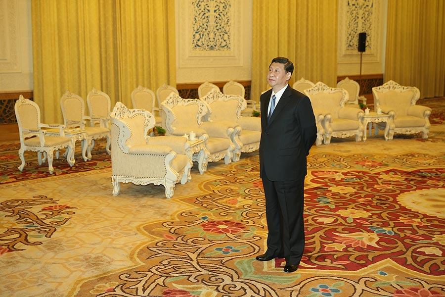 如果習近平能在這重大的歷史時刻,敢於抛棄禍害中華近百年的中共政權,重拾中華傳統,順應天意而行,才能真正帶來中華的偉大復興。(Feng Li - Pool/Getty Images)