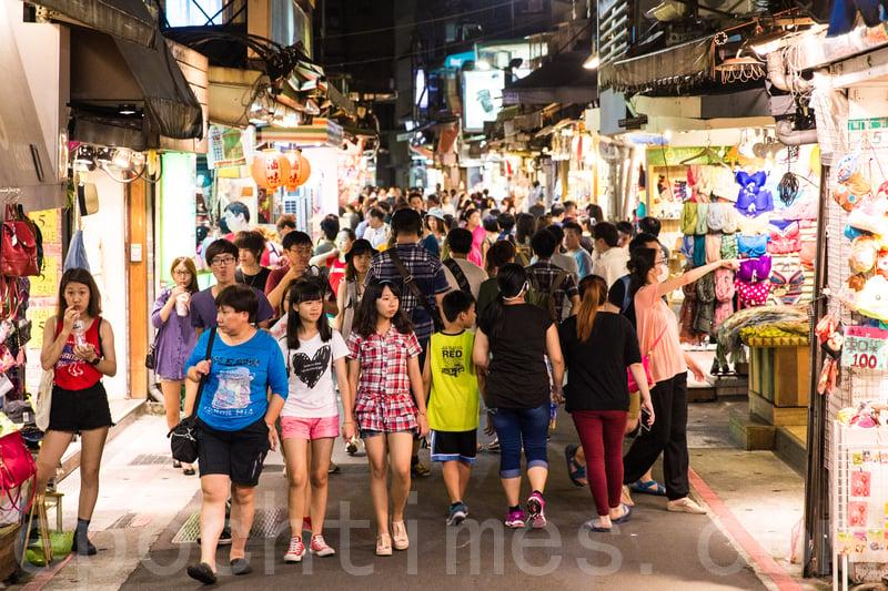 港人對台灣人最有好感 對內地人及政府觀感最差