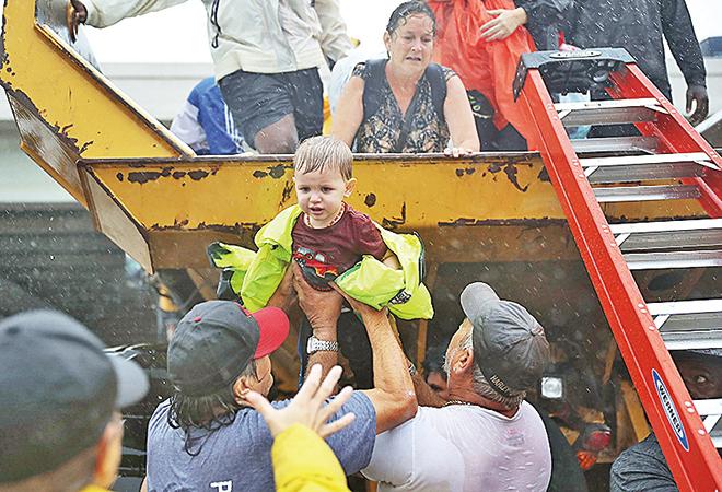 自發救人災區民眾個個是英雄