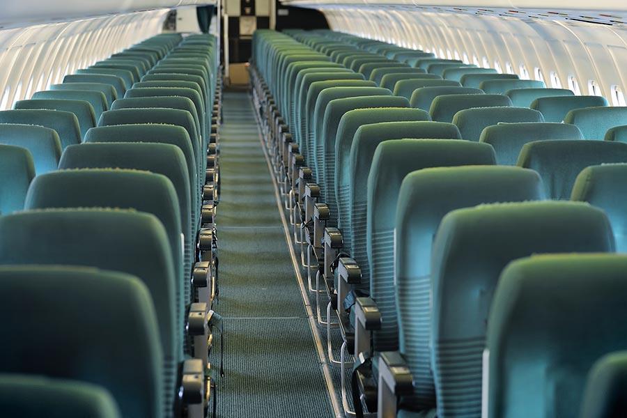 美國亞利桑那州立大學的研究發現,現行三段式登機方式,會增加乘客感染疾病的風險。(Fotolia)