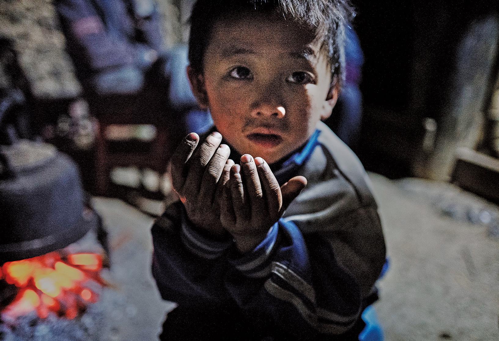 中共不斷搞政治運動,嚴重破壞國家建設和民生發展,加上官僚特權掠奪底層民眾致長期處於極度貧困狀態。(Getty Images)