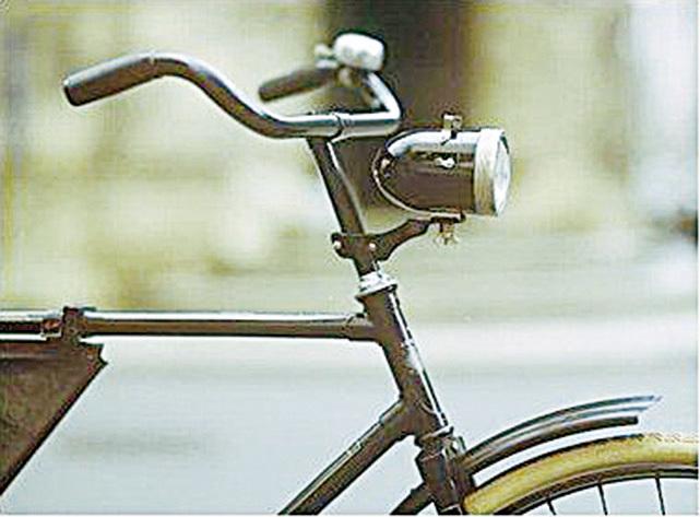 單車用砲彈型電燈。(網絡圖片)