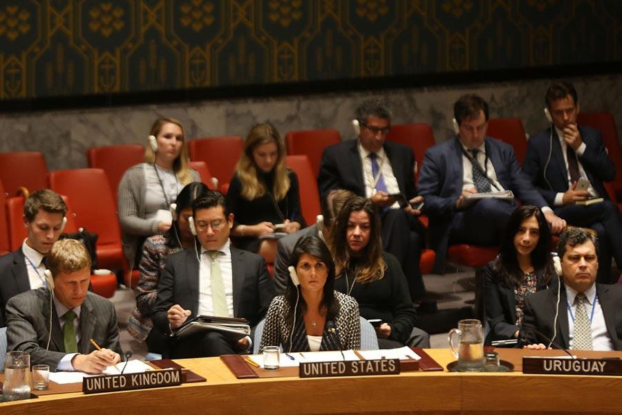 周一(9月4日)美國駐聯合國大使尼基・黑利(Nikki Haley)在安理會緊急會議上,要求國際社會對北韓採取最強制的制裁措施。(Spencer Platt/Getty Images)