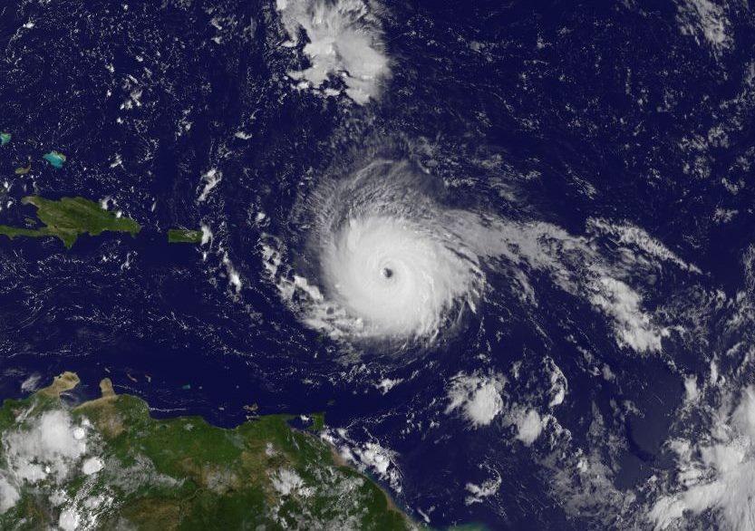 颶風伊瑪目前的強度已經達到五級,雖然目前預測它的確切軌跡還為時過早,但氣象預報向美國東部地區和墨西哥灣沿岸居民傳遞信息說:現在開始做準備。(NOAA NWS National Hurricane Center/facebook.com/NWSNHC)