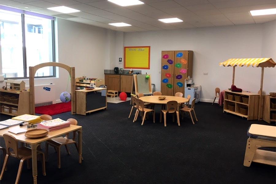 歐洲第一間私立中英雙語預備學校教室。(舒雅/大紀元)