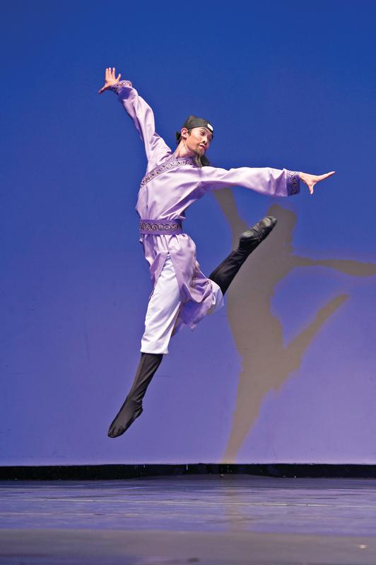 全世界中國舞大賽上屆金獎得主黃景洲:《月下獨酌》刻畫詩仙李白