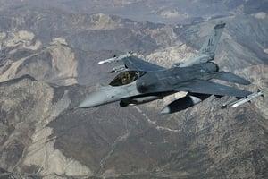 美F-16「戰隼」戰鬥機墜毀 飛行員遇難