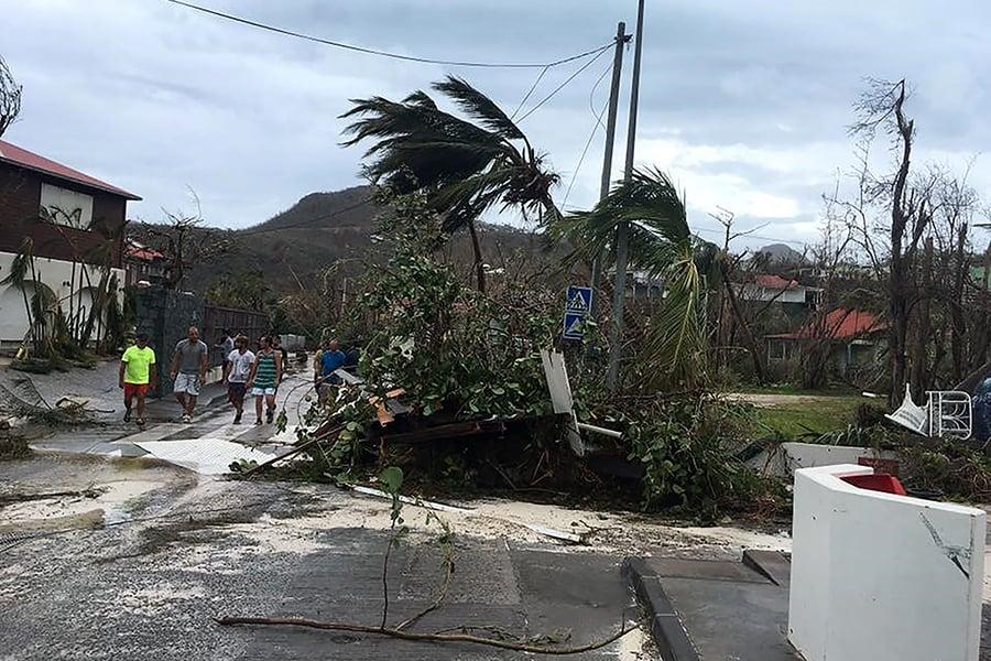 加勒比海法屬領地遭到颶風艾爾瑪嚴重破壞。(AFP PHOTO/FACEBOOK/KEVIN BARRALLON)