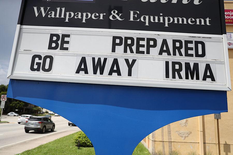 佛州民眾為艾瑪做準備。(Joe Raedle/Getty Images)
