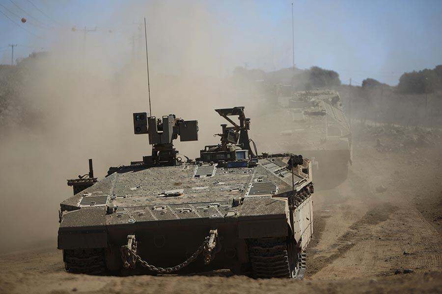 圖為9月7日,以色列軍隊在戈蘭高地佔領區進行軍事演習。(JALAA MAREY/AFP/Getty Images)