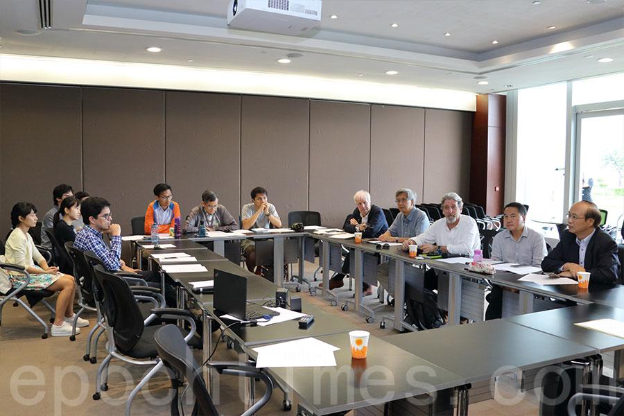 「民間土地資源專家組」今日召開首次會議,會議間推選了創建香港行政總裁司馬文為小組主席。(蔡雯文/大紀元)