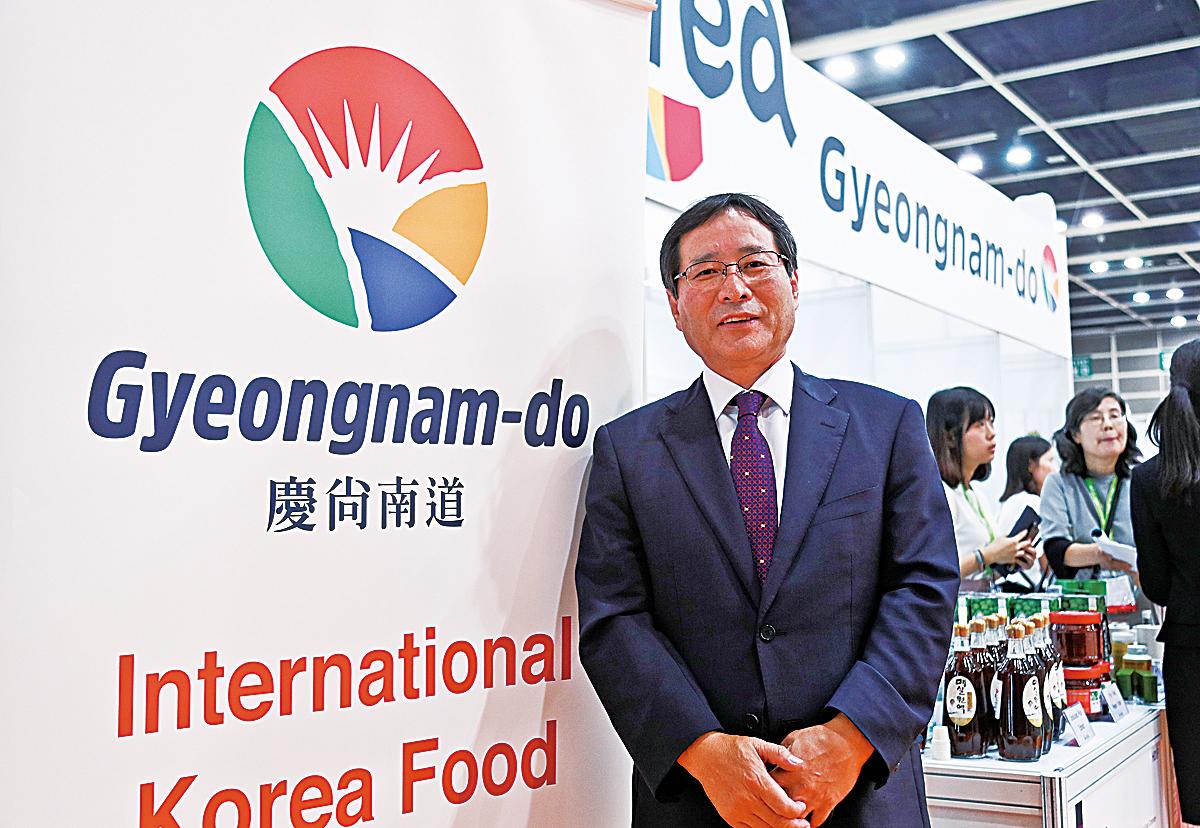 慶南農水產品食品出口協會會長金儀洙,是推動這次韓國館的推手之一。