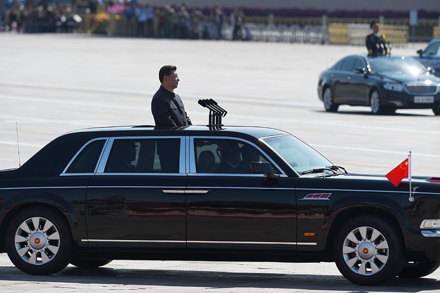中共軍隊正準備一場徹底的領導層換血,高層將領下台,有兩人正受到腐敗調查。(Wang Zhao – Pool /Getty Images)