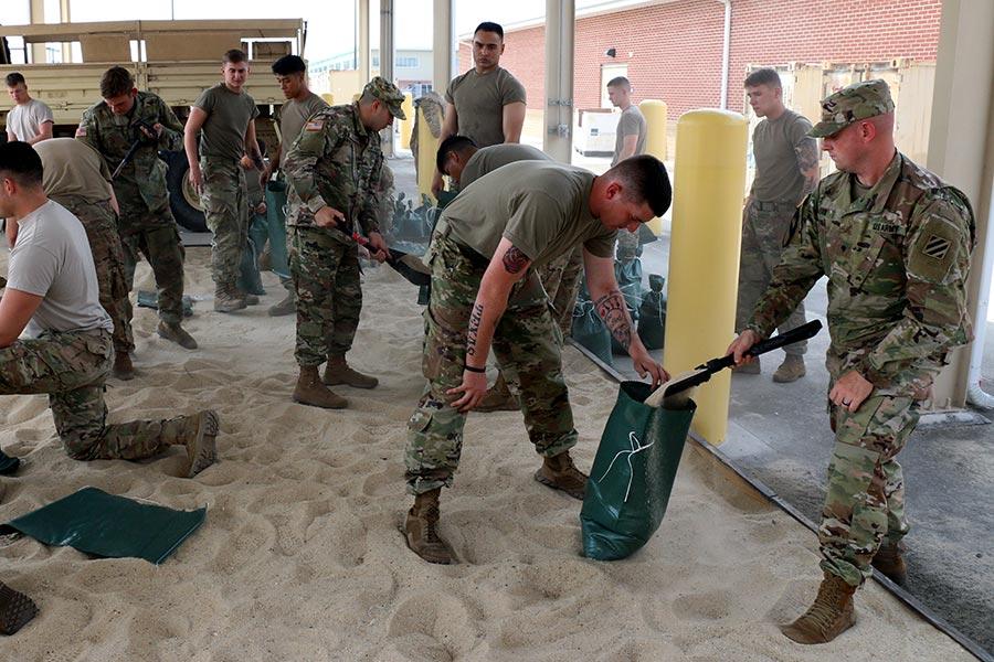 佛州為艾爾瑪颶風來臨做準備。(Regan Riggs/U.S. Army via Getty Images)