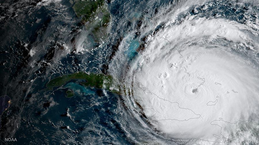 颶風預測顯示,艾爾瑪會在佛羅里達半島上形成一條凶猛路徑,一路橫掃到喬治亞州邊境,而邁阿密則首當其衝。(NOAA GOES Project via Getty Images)